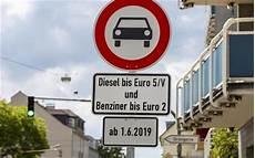 mehr als 16 000 verst 246 223 e gegen diesel fahrverbote
