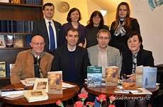 consolato romeno simona s艫mulescu poeme alese genesi torino 2013
