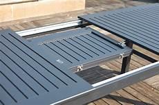 table jardin extensible alu table de jardin extensible 8 chaises en aluminium berana concept usine
