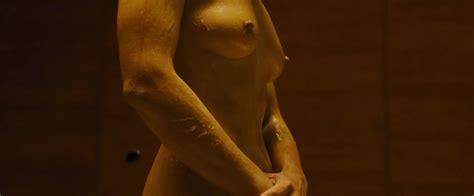 Mackenzie Davis Nude