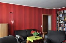 Rote Tapeten Wandgestaltung - heimwerker renovieren tapeten selber tapezieren