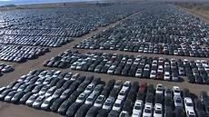 ber vw parkplatz vw mietet parkpl 228 tze f 252 r hunderttausende ausrangierte diesel autos