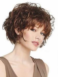 coupe courte cheveux frisés visage rond coiffure cheveux boucl 233 s visage rond