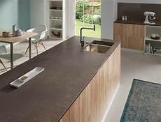 plan de travail en granit pour cuisine photo cuisine avec plan de travail moderne en 65 id 233 es