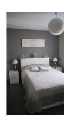 chambre grise et blanche deco chambre adulte gris et bleu