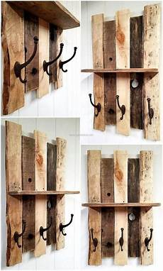 Pinnwand Selber Bauen - pallet shelf with vintage style cast iron coat hooks in