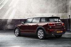 mini clubman maße this is the all new mini clubman official photos carscoops