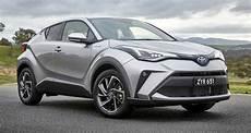 Toyota C Hr Facelift Debuts New 2 0l Hybrid Variant