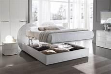 letti matrimoniali eleganti camere da letto moderne con swarovski top cucina leroy