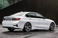 bmw 340i 2019 2018 vs 2019 bmw 3 series what s the difference autotrader