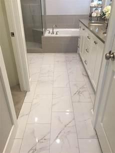 Ceramic Tile Ideas For Small Bathrooms I Like Shiny Tile Bathrooms In 2019 Marble Tile