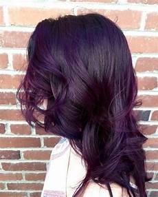 couleur cheveux violet foncé cheveux lilas violet la coloration tendance du moment