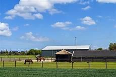 Ausmalbilder Bauernhof Mit Pferden Gestalten Sie Mit Bauernhof Und Weiden Lassen Pferden In