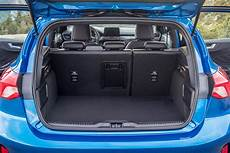 Ford Focus 2018 Review Parkers