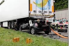 mann stirbt bei horror crash auf der a6 blaulichtreport