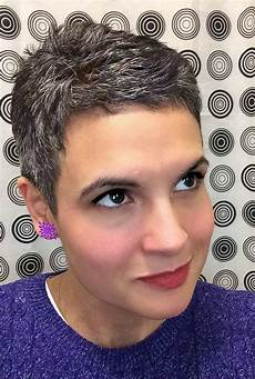 20 best ideas of short haircuts for coarse gray hair