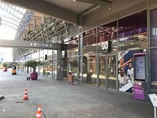 carré de soie lyon go sport lyon carre de soie magasin de sport 2 rue