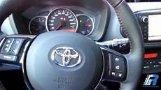 volante yaris prova interni toyota yaris style test drive