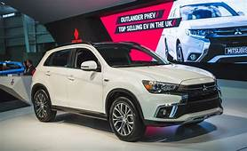 2018 Mitsubishi Outlander Sport Pictures  Photo Gallery
