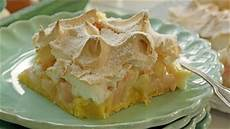 Rhabarberkuchen Mit Baiser Vom Blech - rezept quot rhabarber baiser kuchen vom blech quot ndr de