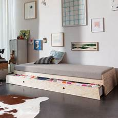 Staple Bed By Seifried