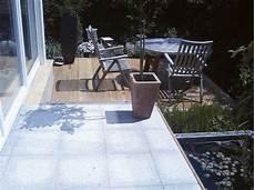Terrasse Mit Holz Und Stein - terrasse mix aus stein und holz