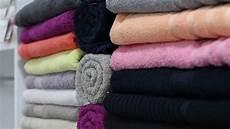 wäsche weich bekommen ohne weichspüler handt 252 cher waschen so bekommt handt 252 cher sch 246 n flauschig