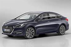 the motoring world the new hyundai i40 saloon and tourer