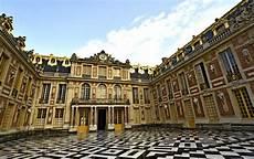 Pariisi Versailles Dijon Montpellier Barcelona