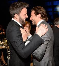 Bradley Cooper Freundin - bradley cooper and ben affleck s friendship goes back to