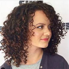 shoulder length curly hairstyles for black women 2015 28 gorgeous medium length curly hairstyles for women in 2018