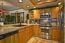 Oak Kitchen Cabinets Paint Ideas by Floor That Match Oak Cabinets Kitchen Oak Cabinets For
