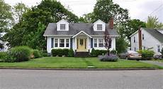 what classifies a house style what makes a bungalow home