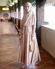 Model Jilbab Wisuda Syar I Batik
