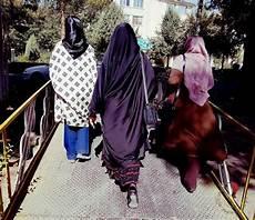 consolato italiano in iran iran una grande sorpresa donne emigrano all estero