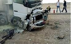 mort sur la route 187 un mort et 2 bless 233 s dans un grave de la route