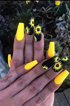 43 chic ways to wear yellow acrylic nails stayglam