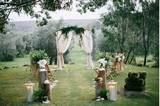 aisle style 20 gorgeous and diy able drapes chic vintage brides chic vintage brides
