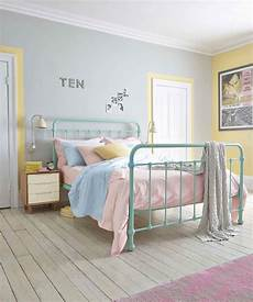 Bedroom Decor Ideas Pastel Colours by Bright Bedlinen In Pastel Hues Are Pefect For A Retro Room