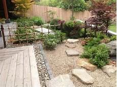vorgarten steingarten anlegen steingarten anlegen vorgarten gestalten japanisch zen kies