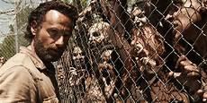 Walking Dead - how to survive a real walking dead apocalypse