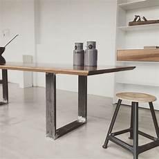 handmade tisch in eiche oak mit metall gestell mit