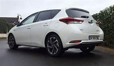 Toyota Auris Hybride 5 En Voiture Carine