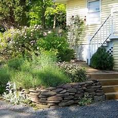 amenagement de jardin avec des pierres comment decorer jardin avec des pierres