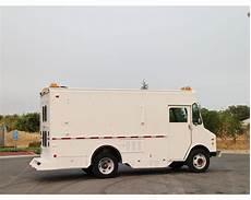 chevrolet box trucks dry vans for sale mylittlesalesman com