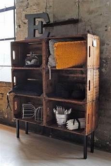 bücherregal aus weinkisten kunstvolle industrial style m 246 bel und regale meine