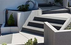 Granit Treppen Außen - blockstufen setzen setzen blockstufen in einer b