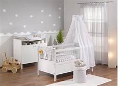 babyzimmer tapete mädchen babyzimmer grau babyzimmer in 2019 babyzimmer