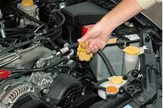 huile de voiture la lubrification d un moteur de voiture minute auto fr