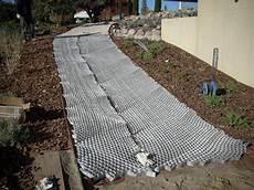 kieselsteine in beton verlegen 3d gittermatten zur befestigung stein kies